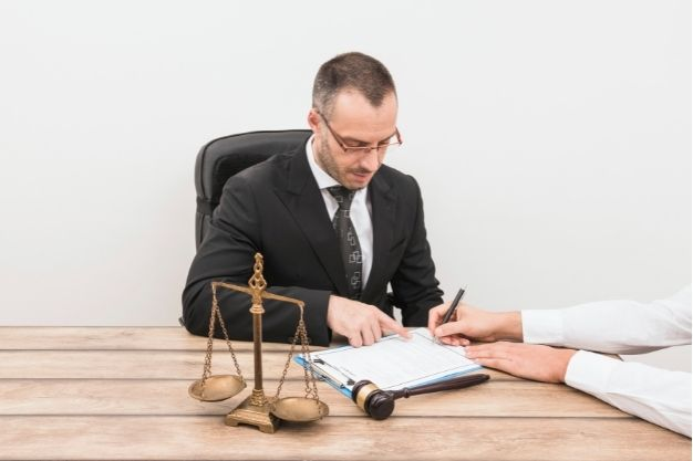 When Do I Know It's Time To Hire A Debt Lawyer?