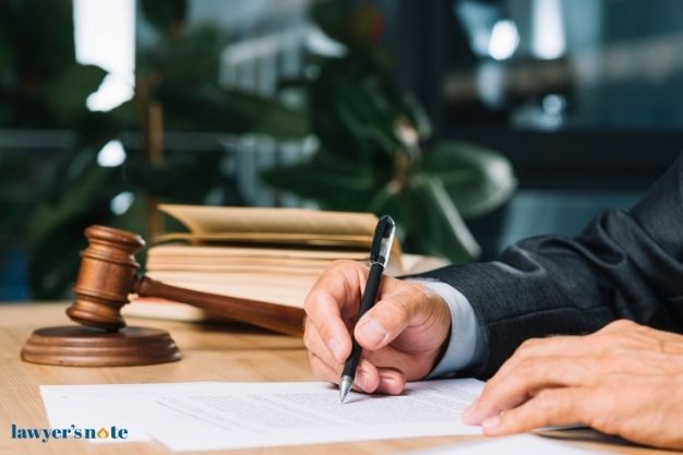Plaintiff vs Defendant – What's The Difference?